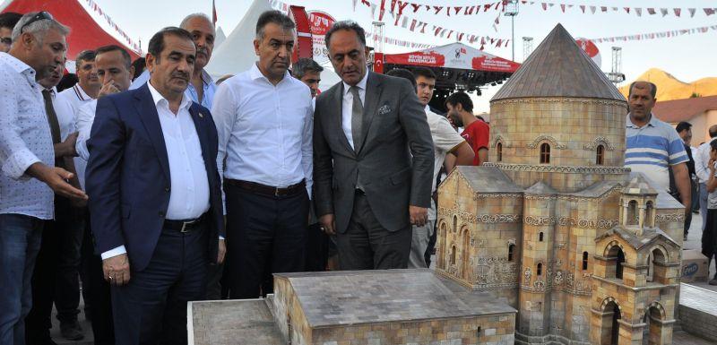 """Bitlis'te düzenlenen """"İller Tanıtım Sergisi'ne"""" katıldık."""